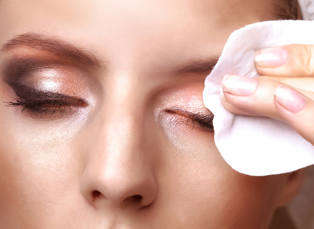 Makeup removal safe contact lens wear