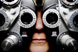 optician optometrist sight test